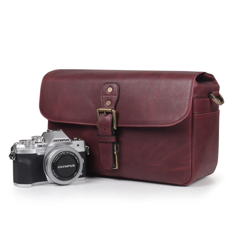 MegaGear Torres Genuine Leather Camera Messenger Bag for Mirrorless, Instant and DSLR Cameras