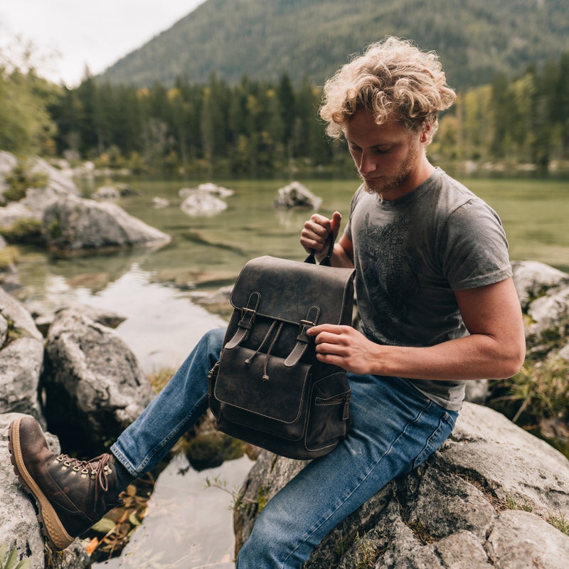 MegaGear Valley Handcrafted Top Grain Leather Backpack