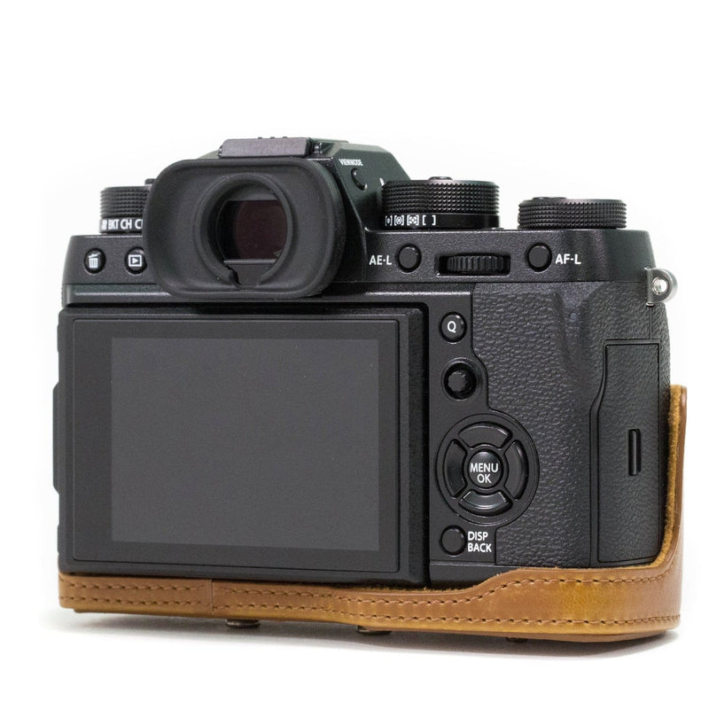 MegaGear Fujifilm X-T2 Ever Ready Leather Camera Case and