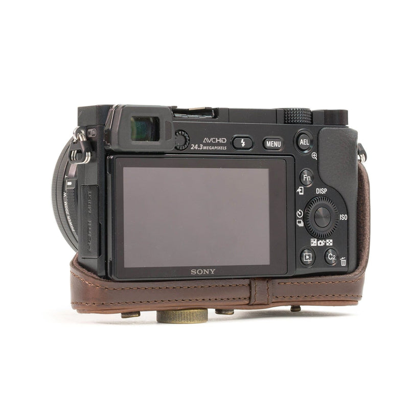 MegaGear Sony Alpha A5100 A5000 (16-50mm) Ever Ready Leather