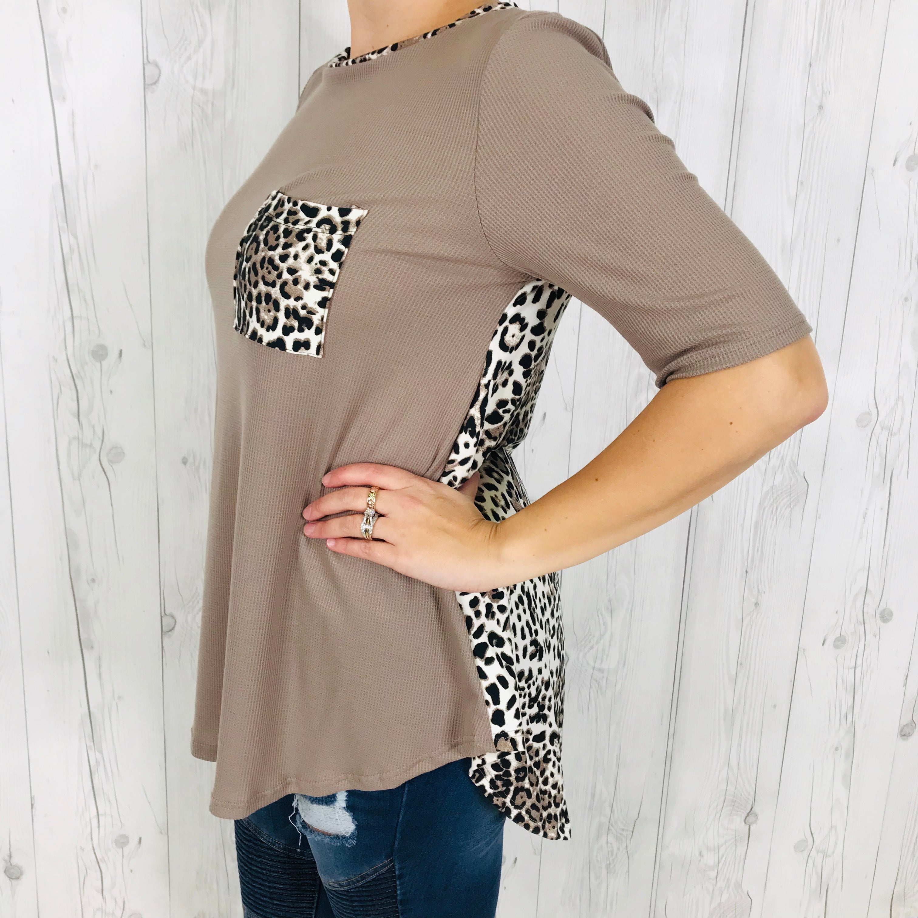 Short Sleeve Coco Knit Top with Cheetah Print Front Pocket