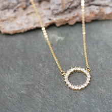 Load image into Gallery viewer, Sparkly Silver Circle Necklace