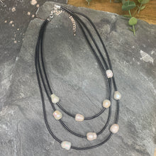 Load image into Gallery viewer, Multi strand Pearl Necklace