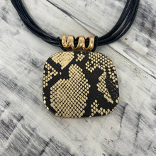 Load image into Gallery viewer, Snakeskin Necklace