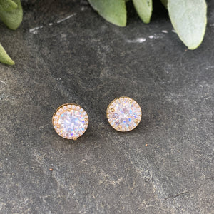 Classic Gold Halo Studs