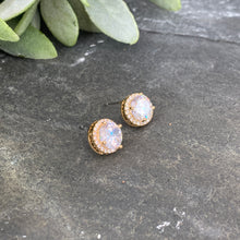 Load image into Gallery viewer, Classic Gold Halo Studs