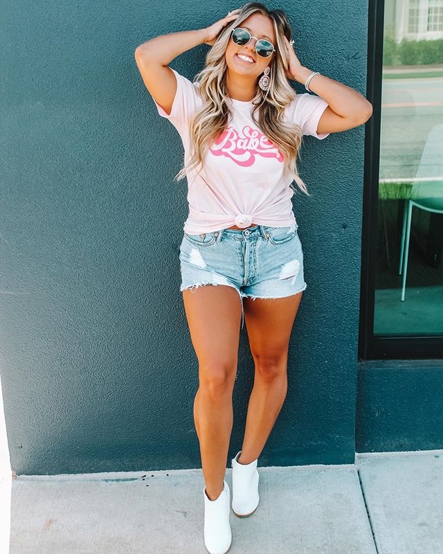 Babe - Pink Graphic Tee