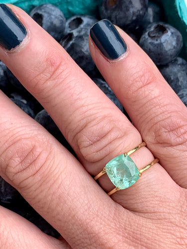 Colombian Emerald 18k Parallel Ring Size 7.25