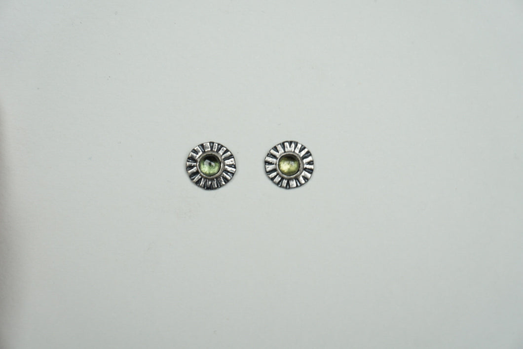 Small sterling silver ridge circle post stud earring with peridot