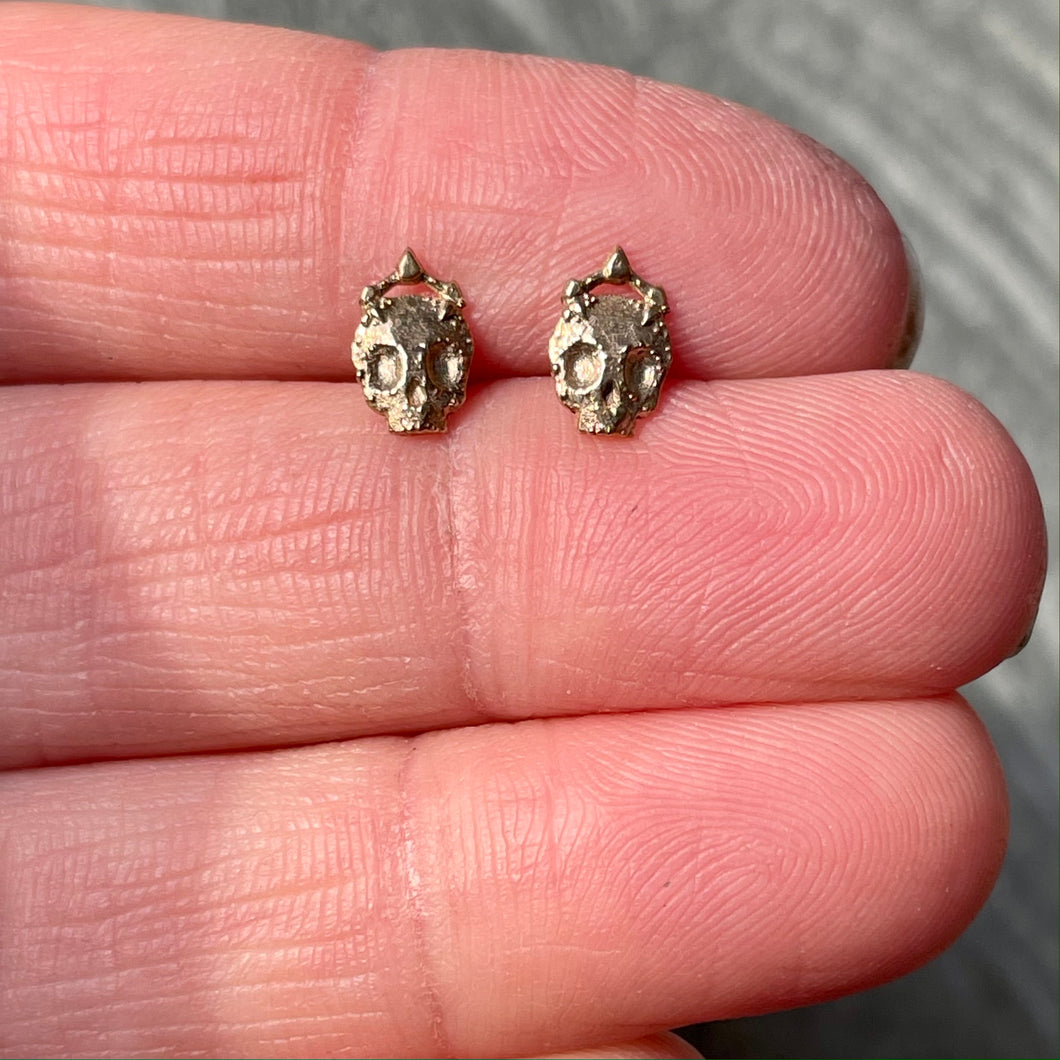 Mini Mundo Stud Earrings