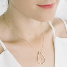 Load image into Gallery viewer, Petal Necklace