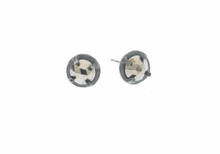 Load image into Gallery viewer, Carved 6mm prong set post earrings