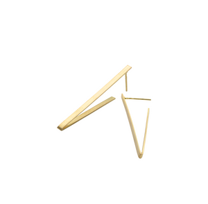 Triangle Earrings in Recycled 18k Gold