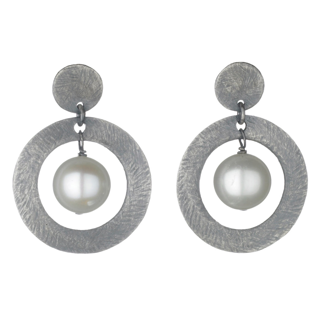 Carved open circle pearl dangle earrings