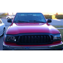 Load image into Gallery viewer, Toyota Tacoma | Black Headlights | 2001-2004 Models