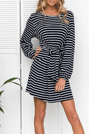 VOKJJ Fall Casual Long Sleeve Dress with A Fabric Knot on Waist
