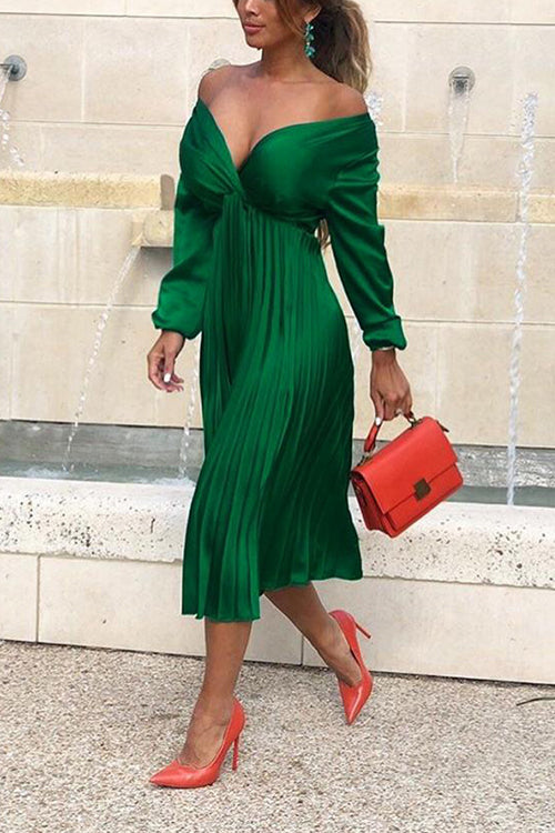VOKJJ Long Sleeve V-Neck Pleated Solid Color Dress - Hellosuitlady