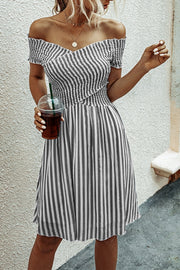 VOKJJ Fashion Stripes Off-shoulder Short-sleeve Dress
