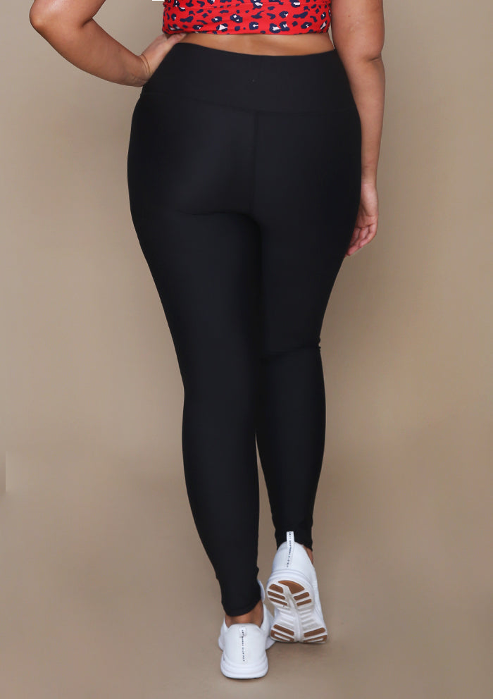 Black Super High-rise V-Front Legging in Extended Sizes