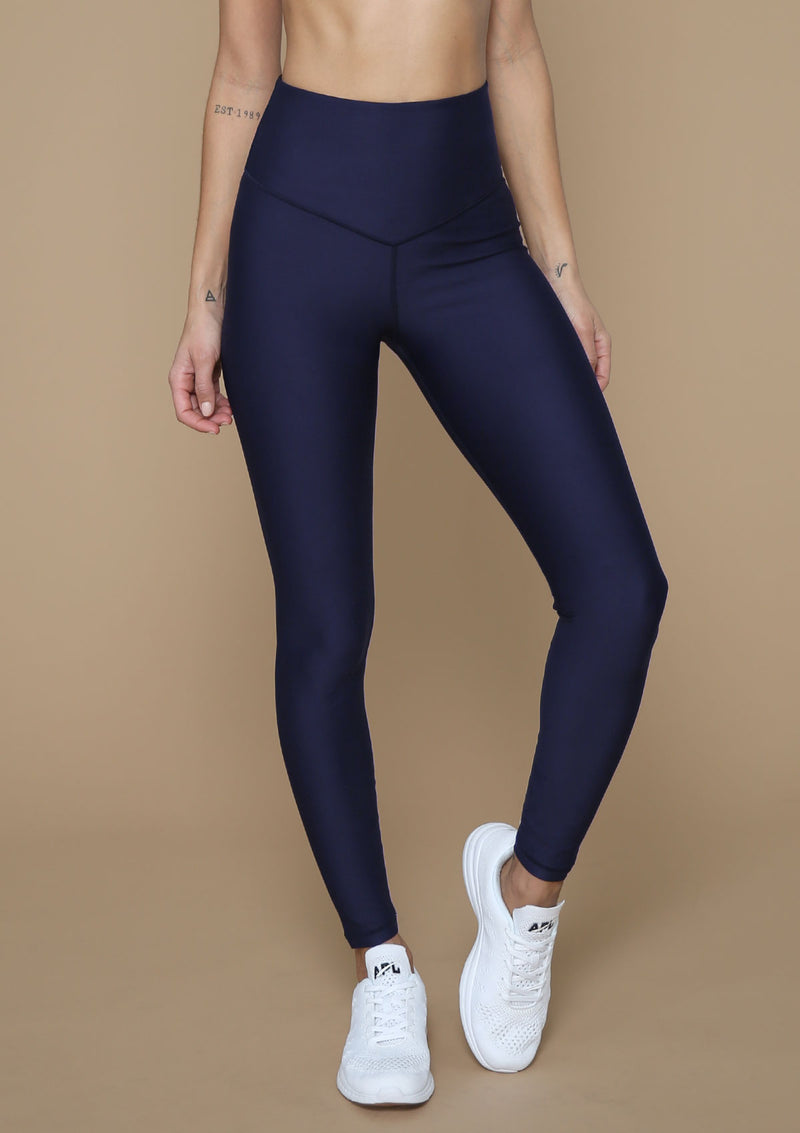 Must-have Full Length Front-V Legging from Blank Label Active