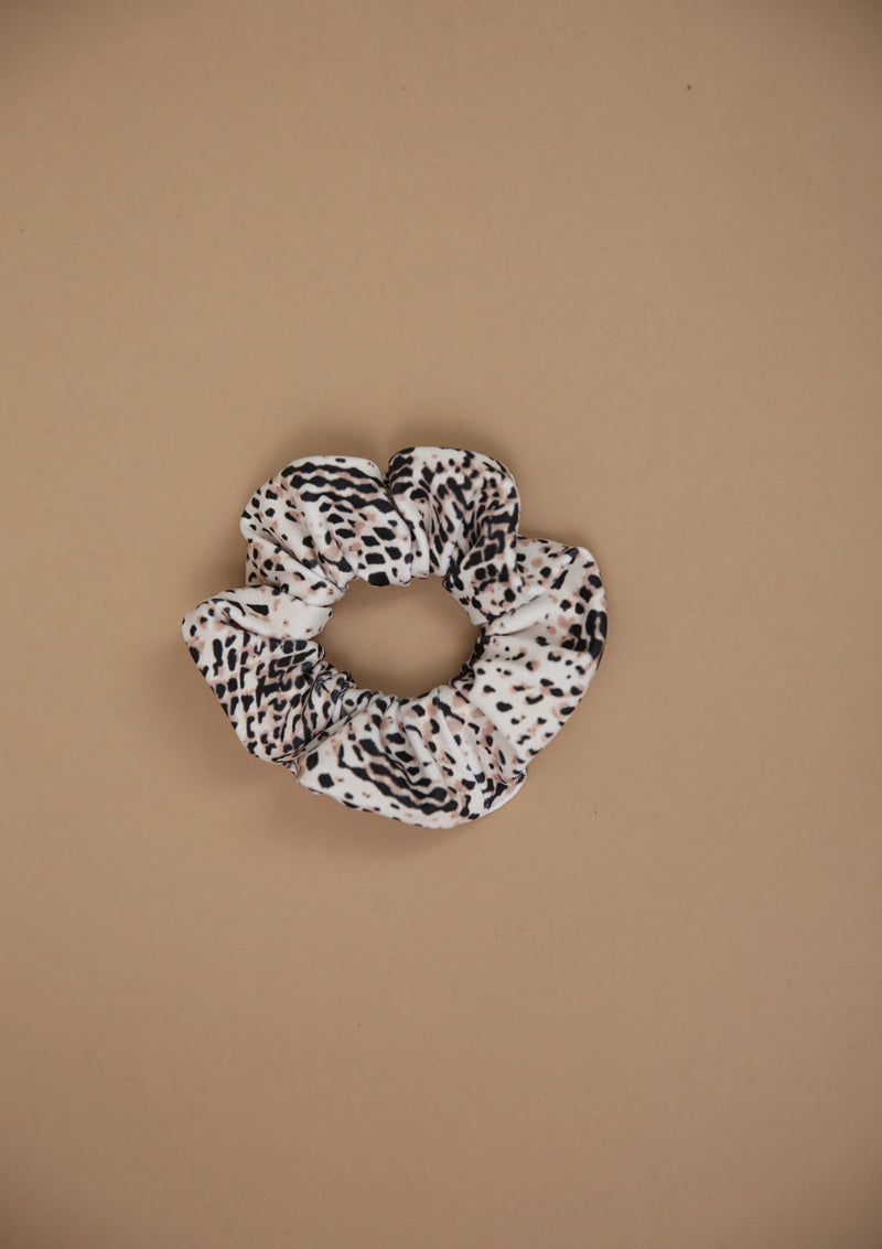 NO. 0151 SAND SNAKE SCRUNCHIE