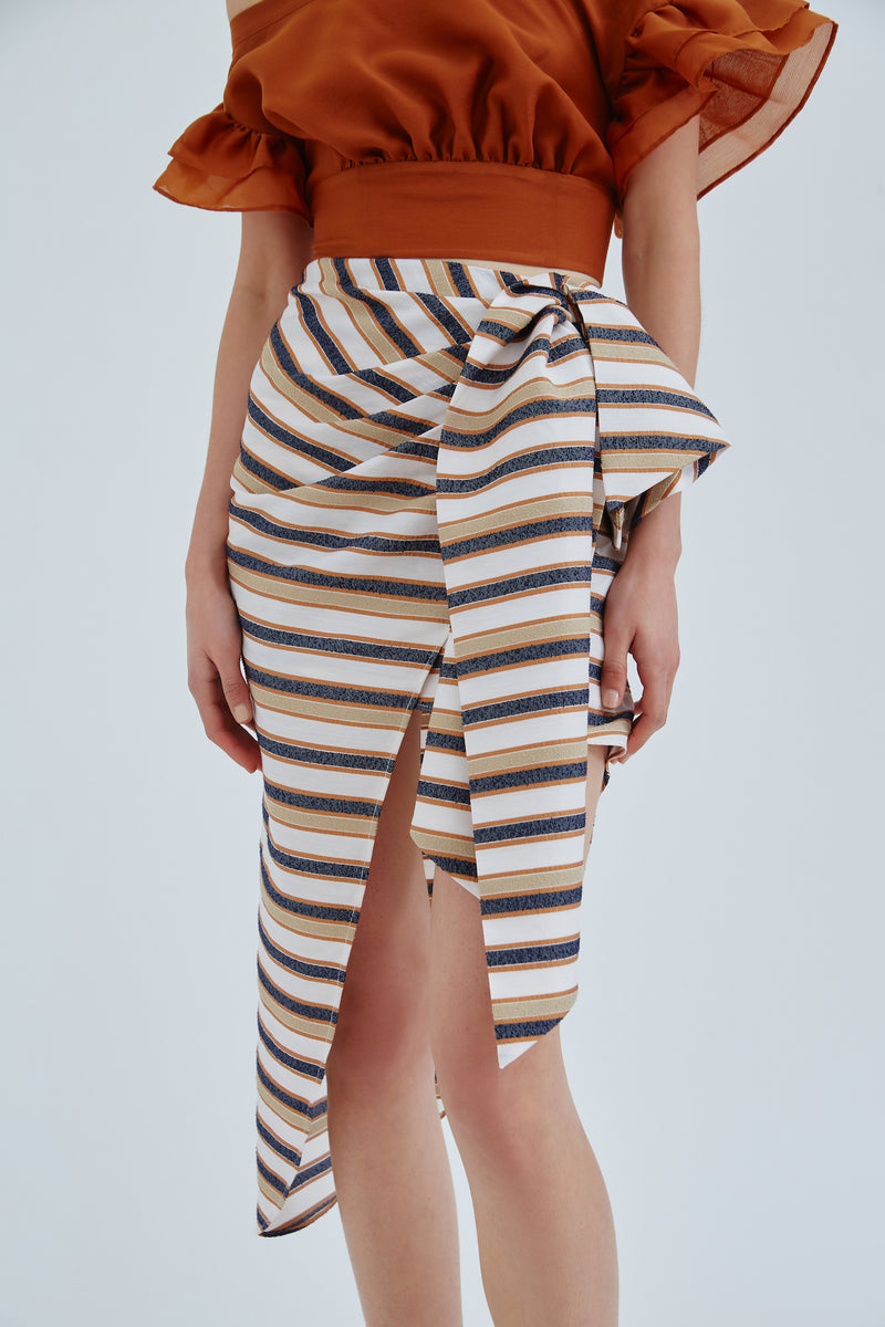 CMEO_COLLECTIVE_FRAME_SKIRT_IVORY_W_STONE_STRIPE