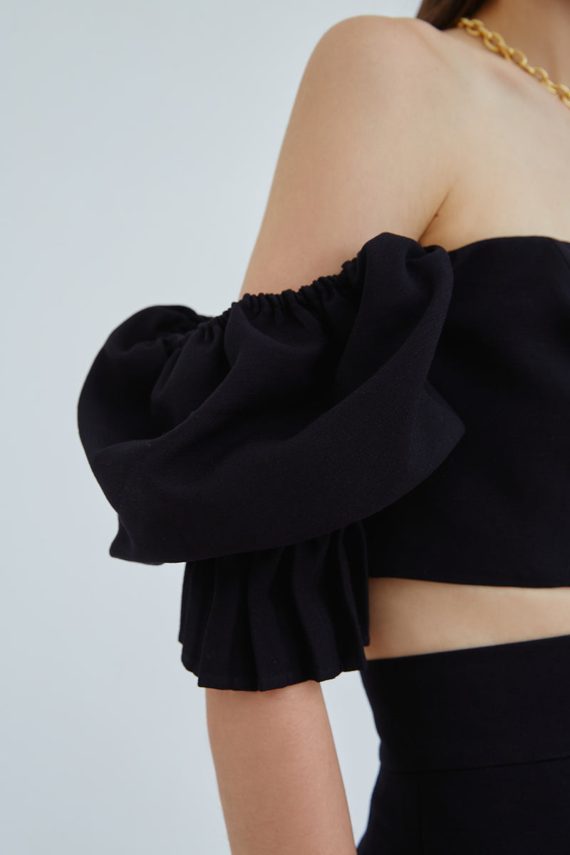 C/MEO-TURN-BACK-TOP-BLACK
