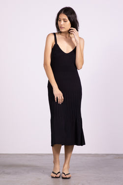 FLARE OUT KNIT SLIP DRESS - BLACK