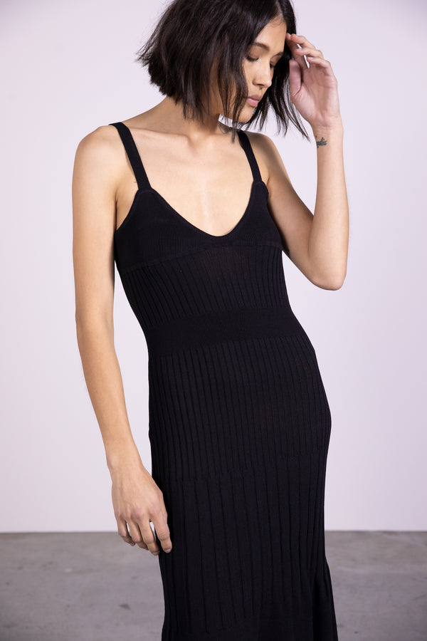 THIRD-FROM-FLARE-OUT-KNIT-SLIP-DRESS-BLACK