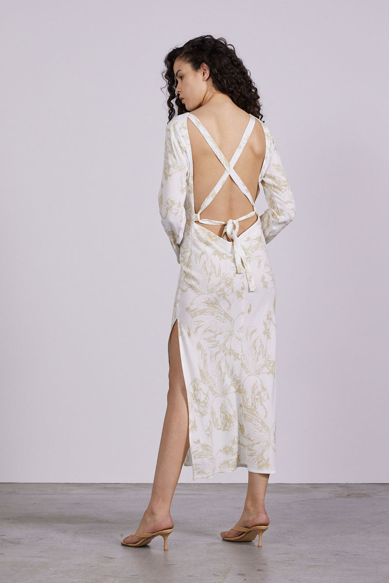 THIRD-FROM-BOUQUET-LACE-BACK-MAXI-FLOWER