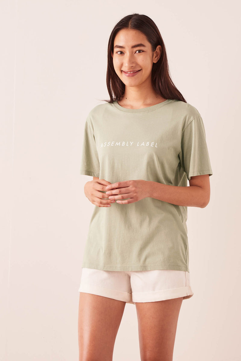 ASSEMBLY-LABEL-LOGO-COTTON-CREW-TEE-SOFT-GREEN/WHITE