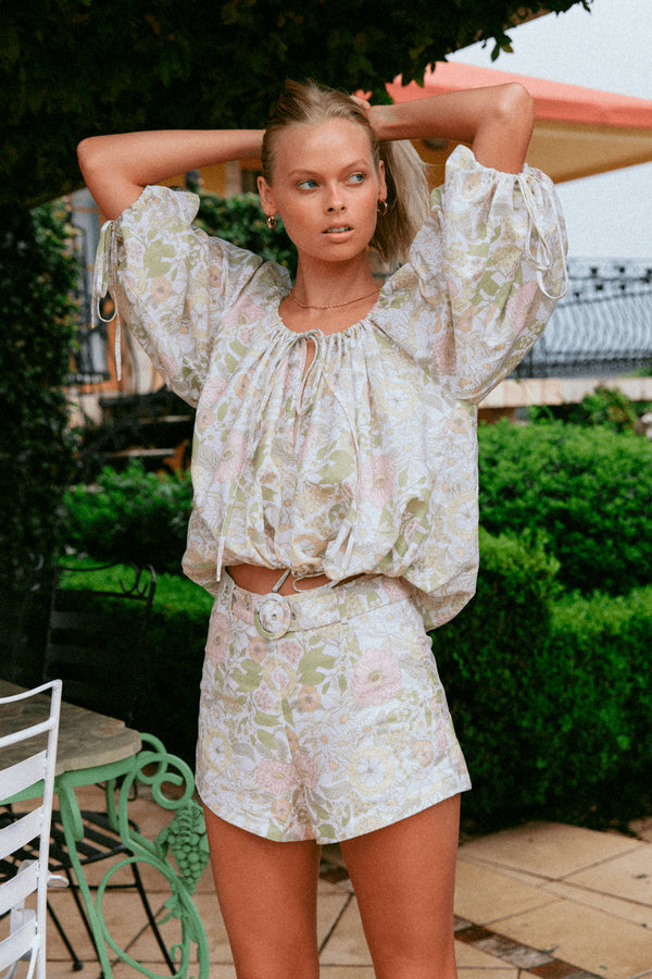 CHARLIE-HOLIDAY-MILA-BLOUSE-FLORAL-FOREST-OLIVE
