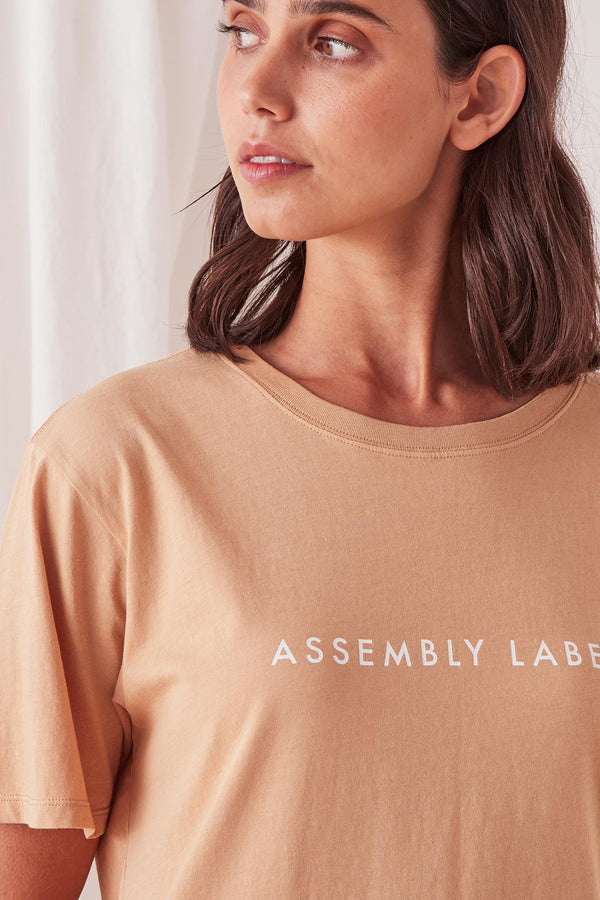 ASSEMBLY-LABEL-LOGO-COTTON-CREW-TEE-TAUPE/WHITE