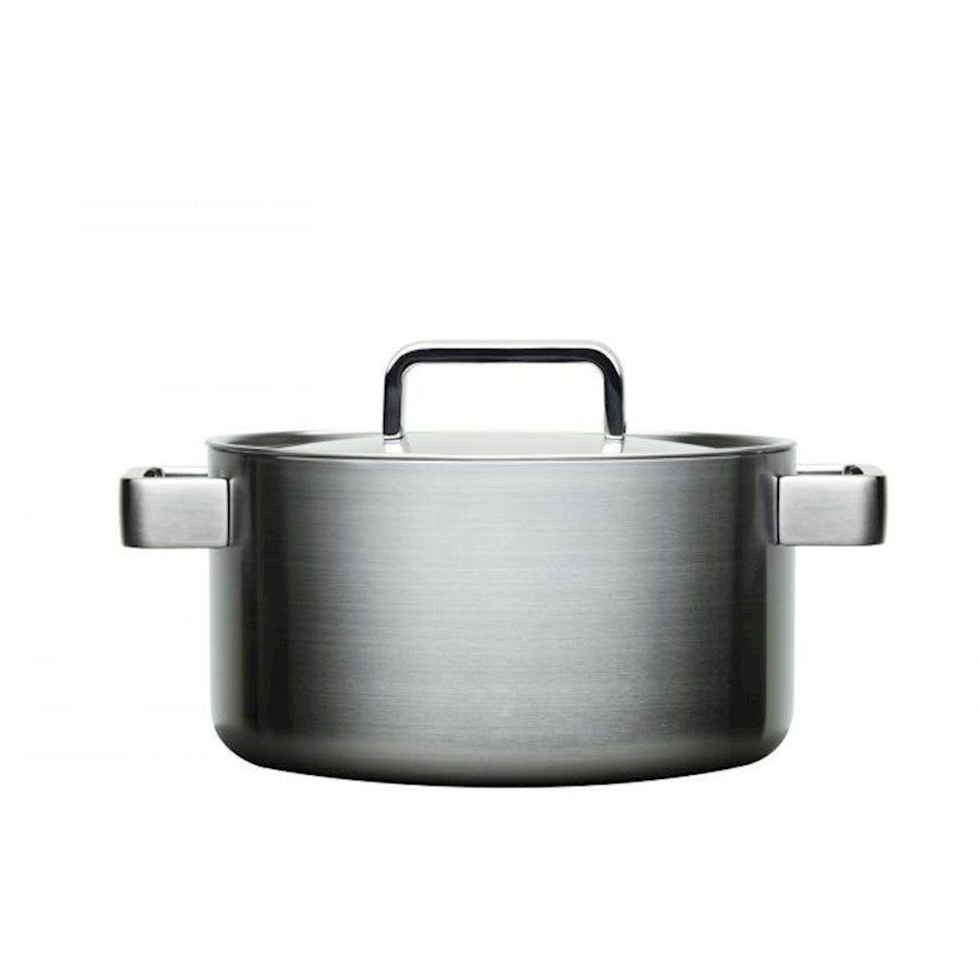 iittala Tools Casserole with Lid 4.25 Quart in Brushed Stainless Steel