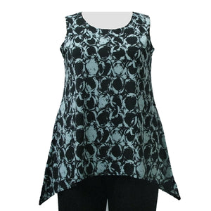 Optical Chain Mint Shark Bite Hem Tank Top Women's Plus Size Tank Top