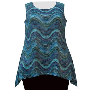 Sea Foam Waves with Silver Foil Shark Bite Hem Tank Top Women's Plus Size Tank Top