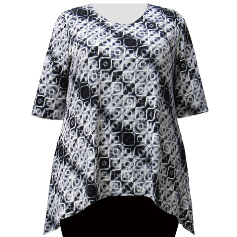 Grey Kaleidoscope 3/4 Sleeve Round Neck Sharkbite Hem Pullover Top Women's Plus Size Top