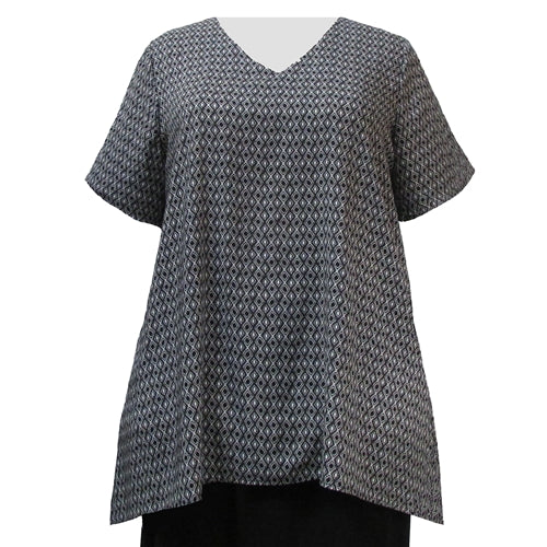 Black & White Diamonds V-Neck Pullover Women's Plus Size Pullover Top
