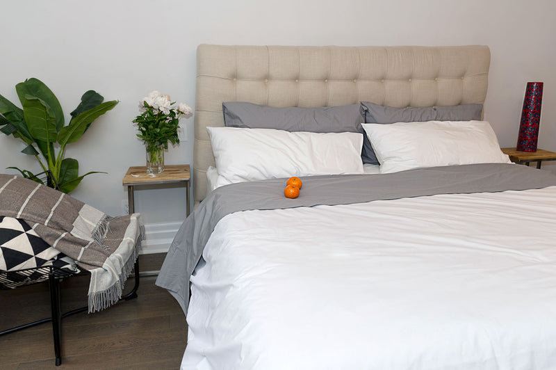 White and grey percale bedding - hotel look