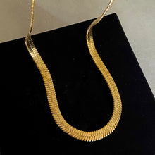 Load image into Gallery viewer, Flat Snake Necklace - 20""