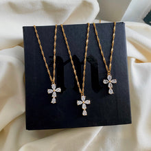 Load image into Gallery viewer, Flor Cross Necklace