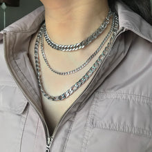 Load image into Gallery viewer, Silver Chunky Cuban Chain Choker