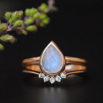 Pear Rainbow Moonstone Ring with Diamond Curved Ring Wedding Ring Set in 14K Gold (LR755-580)