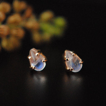 5x3mm Pear Natural Rainbow Moonstone Gold Studs Earring