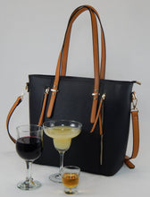 Loving Liquid Line Wine Purse - Black