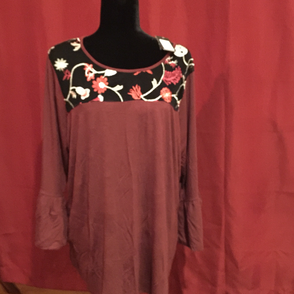 LADIES Top by Verve Ami, Size 2X