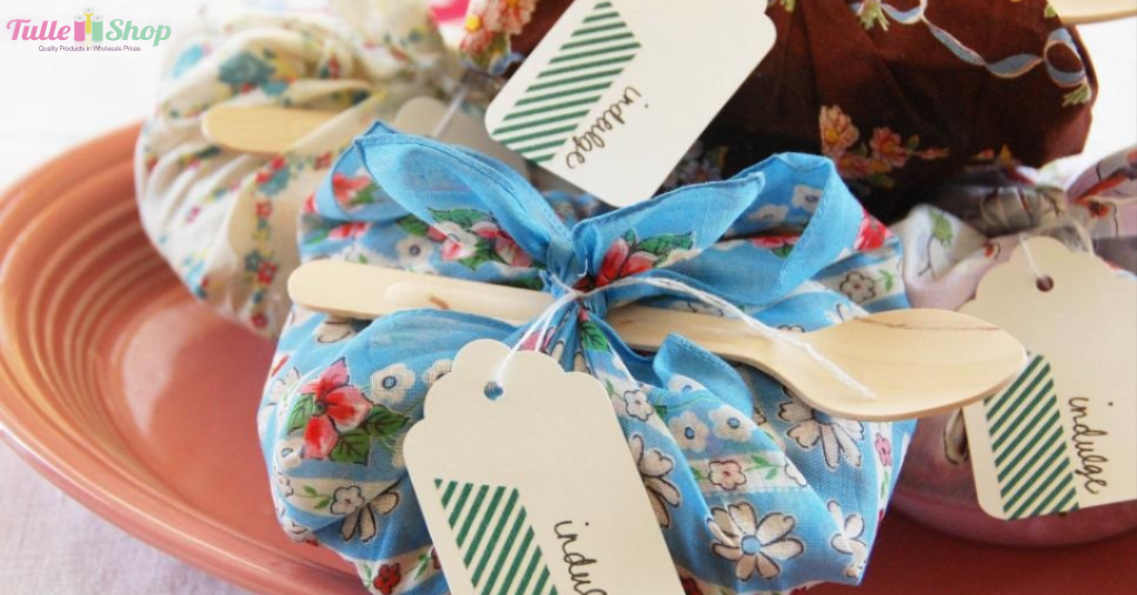 How to Make DIY Wedding Favor Bags for Your Wedding Guests