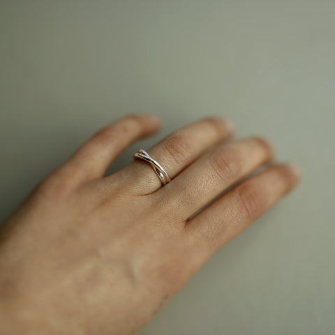MEDIUM INFINITE RING