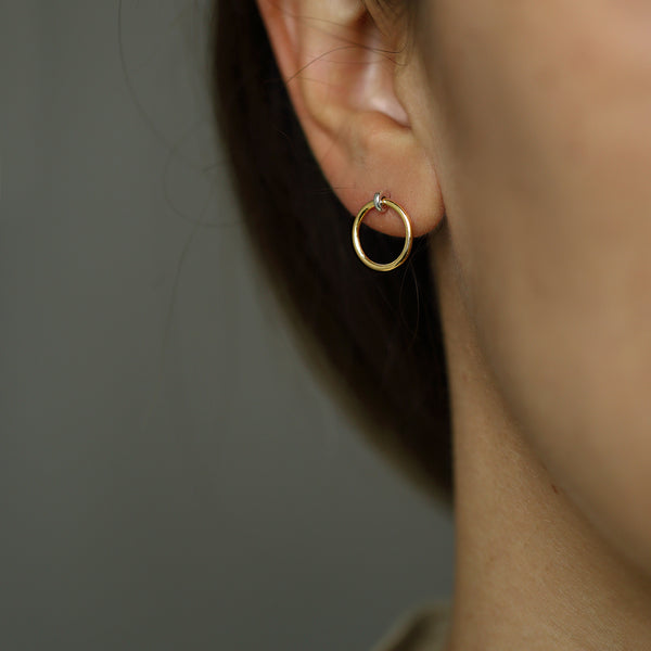 GOLD SMALL KINETIC HOOP EARRING - MIRTA jewelry
