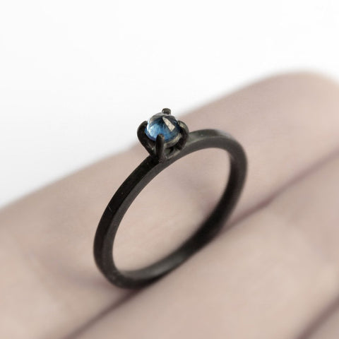 SAPPHIRE THORN RING